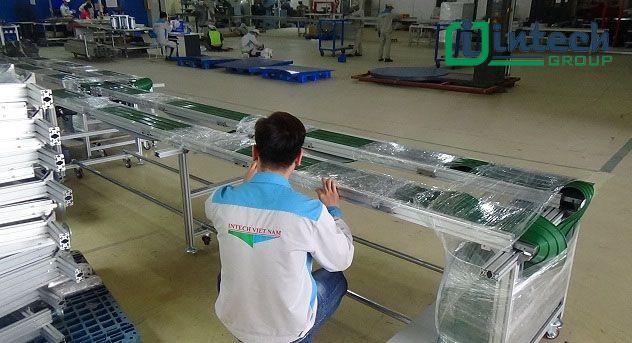 băng tải đôi dán gân PVC tại intech