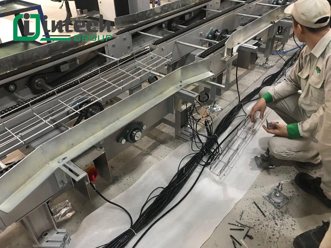 sản phẩm băng tải con lăn intech