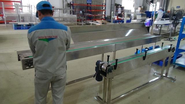 Hệ thống băng tải xích nhựa giá cực tốt Intech Group