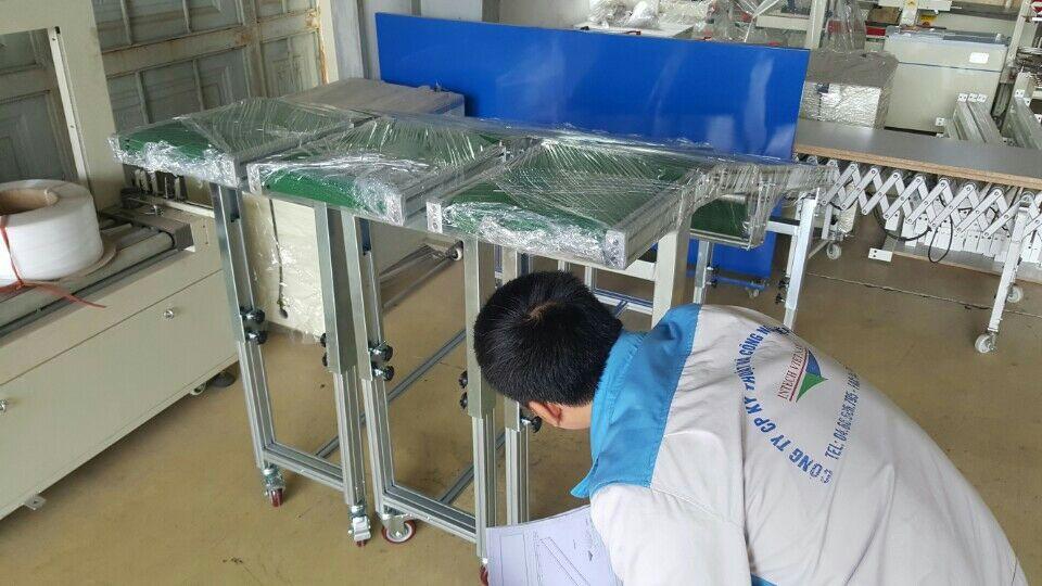 băng tải nghiêng sản xuất tại intech